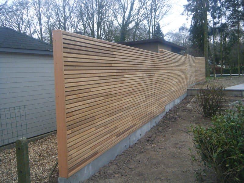 Beton met hout Tuinafsluiting