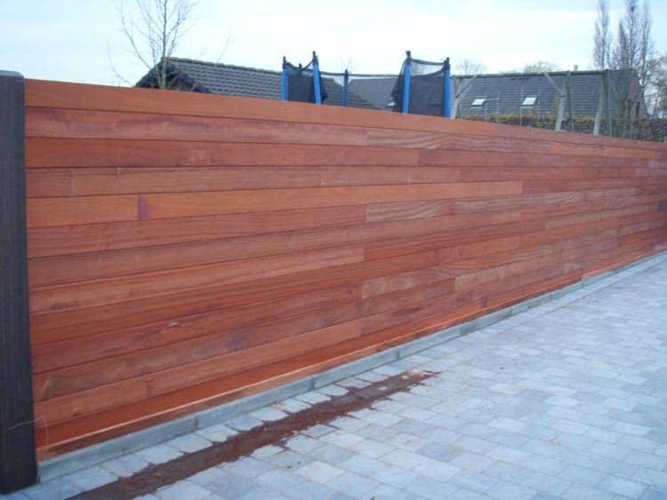 Onderhoudsvrije houten tuinafsluiting
