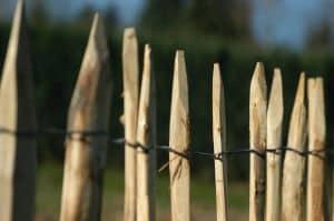 Tuinomheining plaatsen met goedkeuring buren