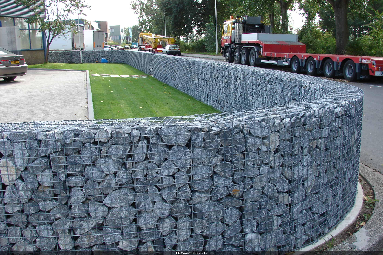 Tweedehands steenkorven tuinafsluiting