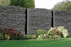 Betonplaten met stenen structuur