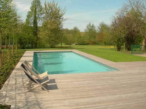Maak sfeer met hout in je tuin tuinafsluitingen - Zwembad terras hout photo ...