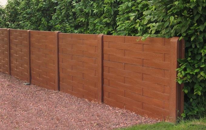 Betonplaten met vlechtwerk houtstructuur