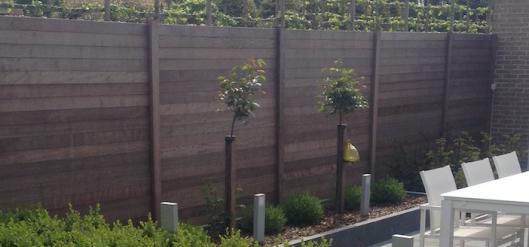 Wat zijn de voordelen van betonplaten met houtstructuur?